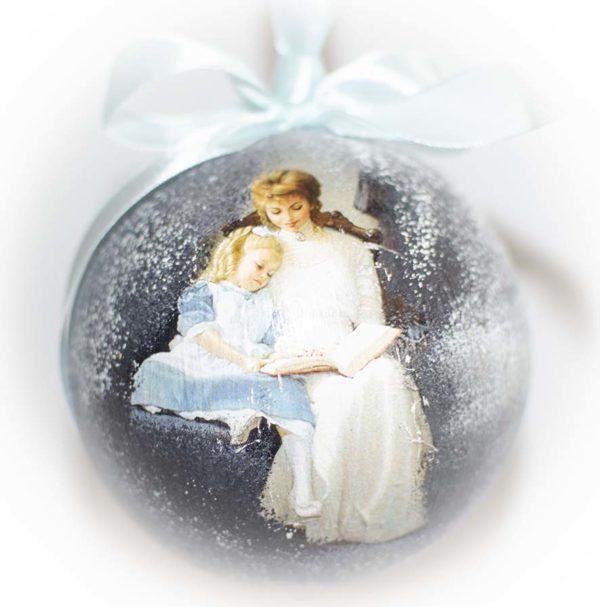 елочный шар мама с дочкой
